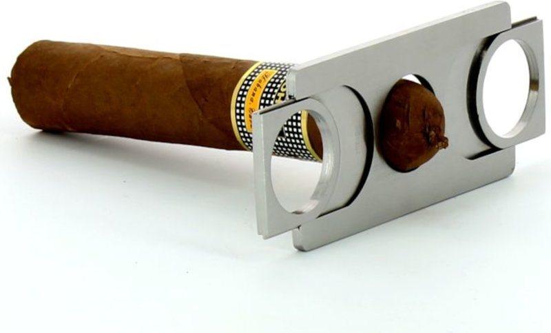 adorini-credit-card-cigar-cutter.jpg